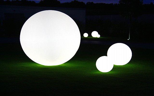 Lampada da esterno design come scegliere idee arredo casa for Lampade arredo casa